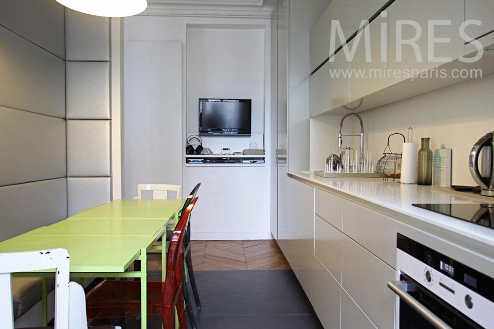 Hidden kitchen. C0824