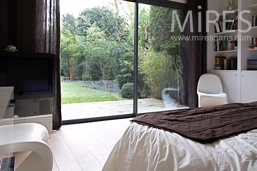 suite parentale en rez de jardin c0826 mires paris. Black Bedroom Furniture Sets. Home Design Ideas