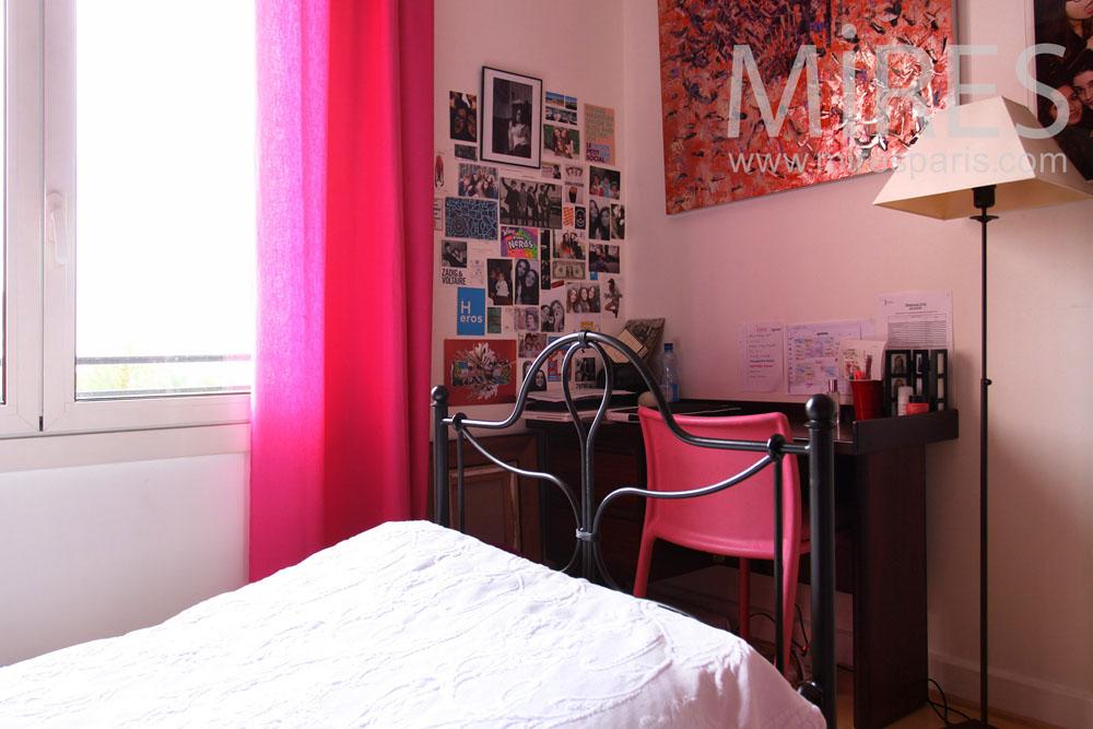 Pinky bedroom. C0827