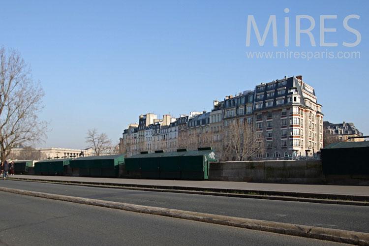 Sur les quais de Paris. C0831