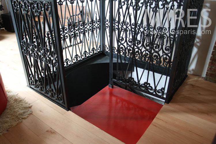 Wrought iron staircase. C0832