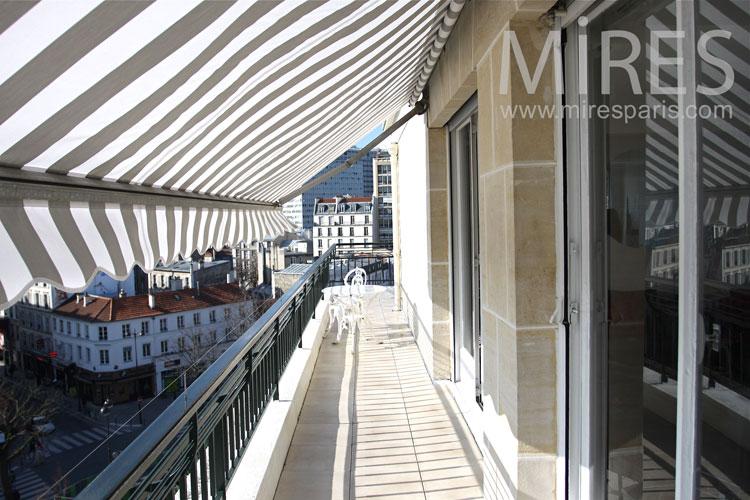 Parisian balcony.  C0834