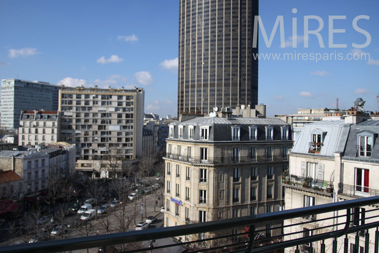 Le ciel du Montparnasse. C0834