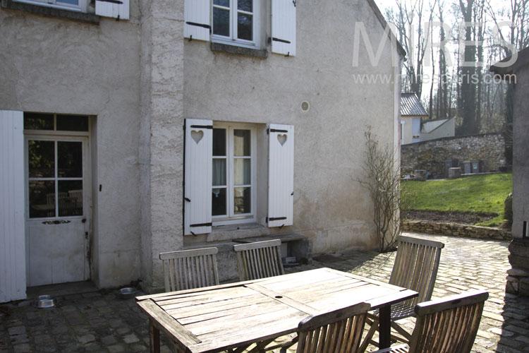 Terrace austere. C0839