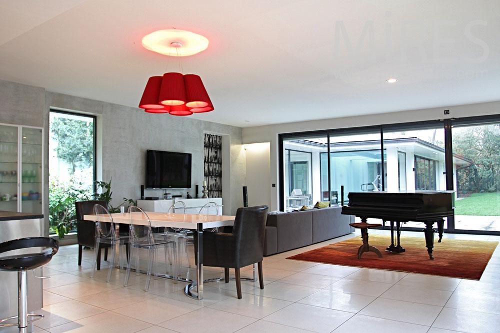 maison moderne de plain pied c0844 mires paris. Black Bedroom Furniture Sets. Home Design Ideas
