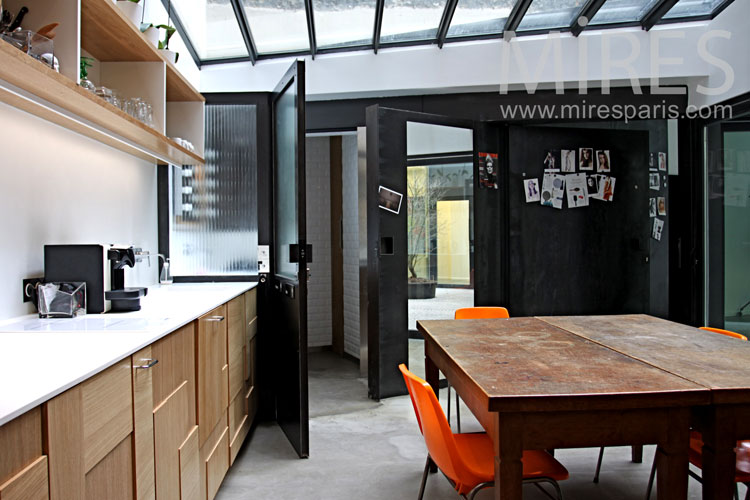 Cuisine sous verrière. C0848   Mires Paris