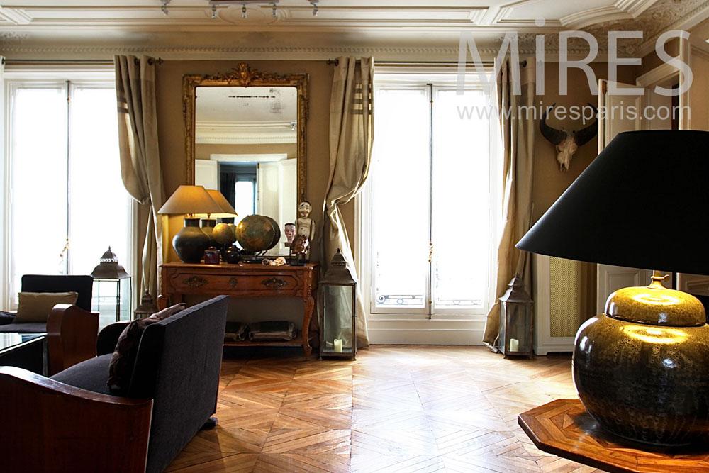 Chambre Deco Garage : Salon style art déco avec un piano à queue c mires
