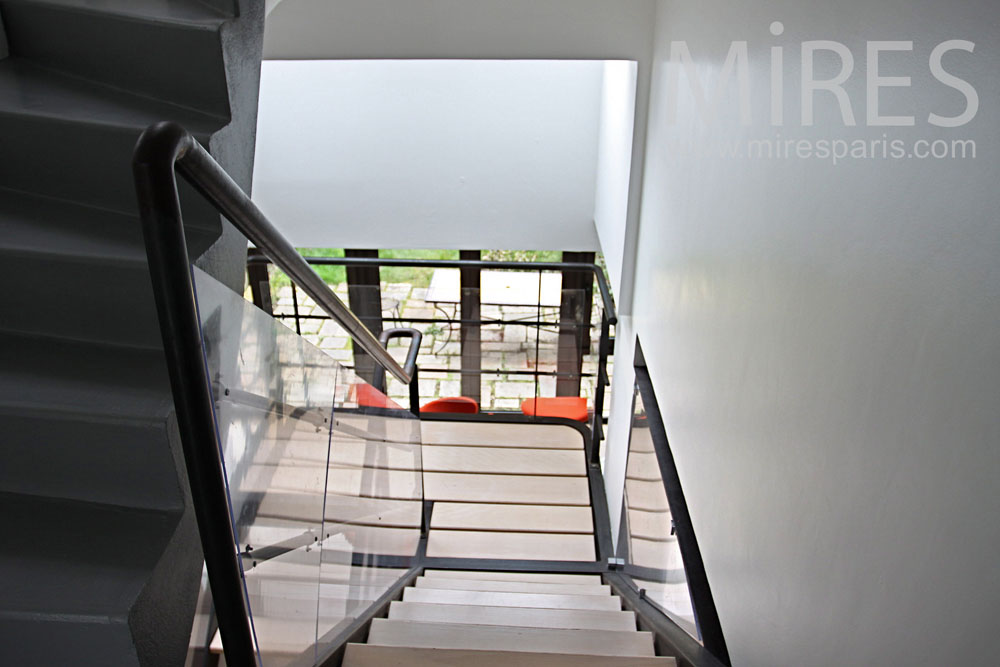 Main staircase made of metal and wood. C0854