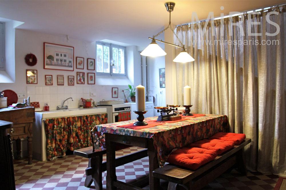 coin cuisine r tro au sous sol c0861 mires paris. Black Bedroom Furniture Sets. Home Design Ideas