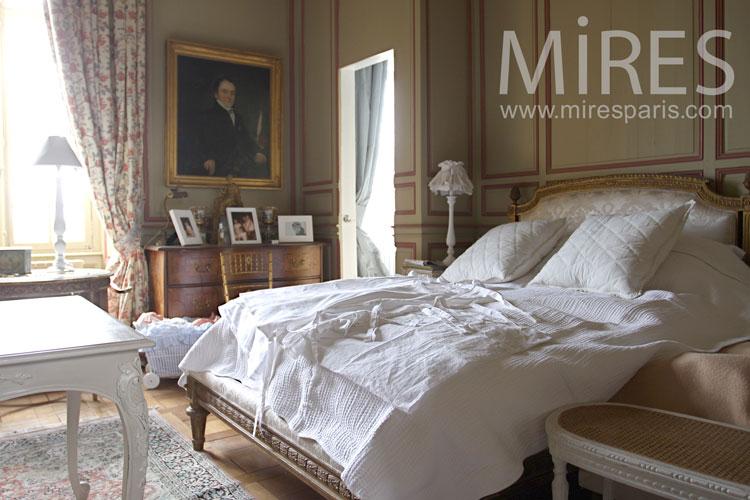 Castle bedroom. C0866