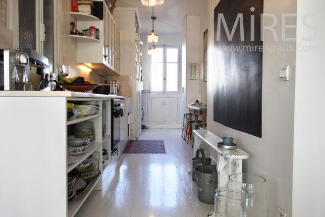 Petite cuisine en longueur c0867 mires paris for Cuisine en longueur