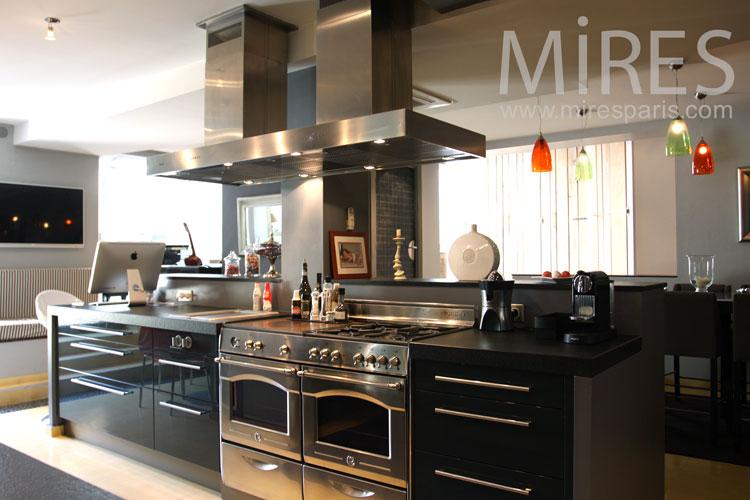 Sparkling kitchen. C0869