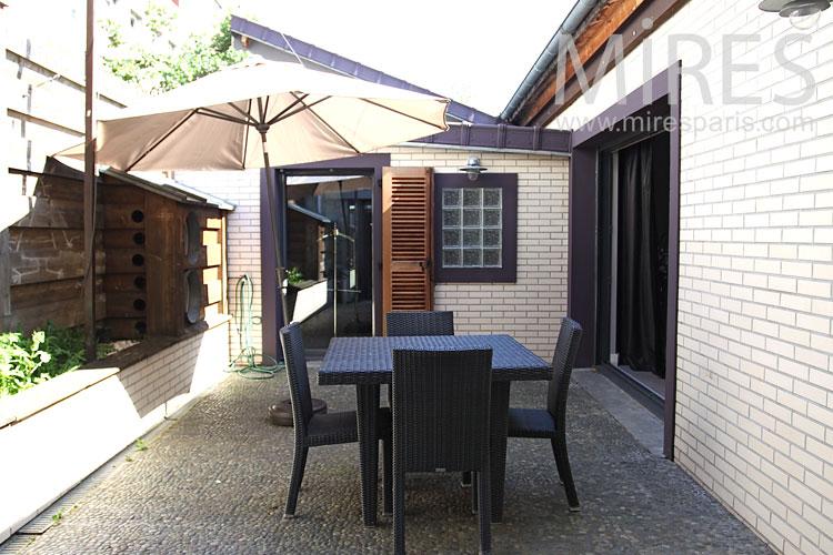 Quiet terrace. C0869