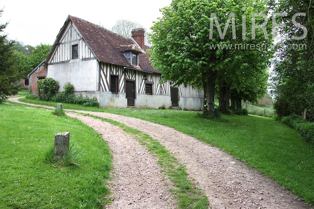 Anciens corps de ferme normand. C0870