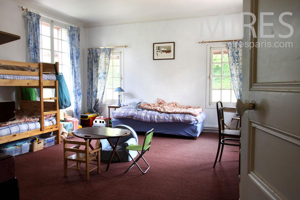 Bunk bed bedroom. C0870