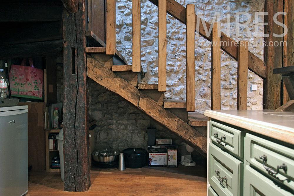 Escalier rustique. C0877
