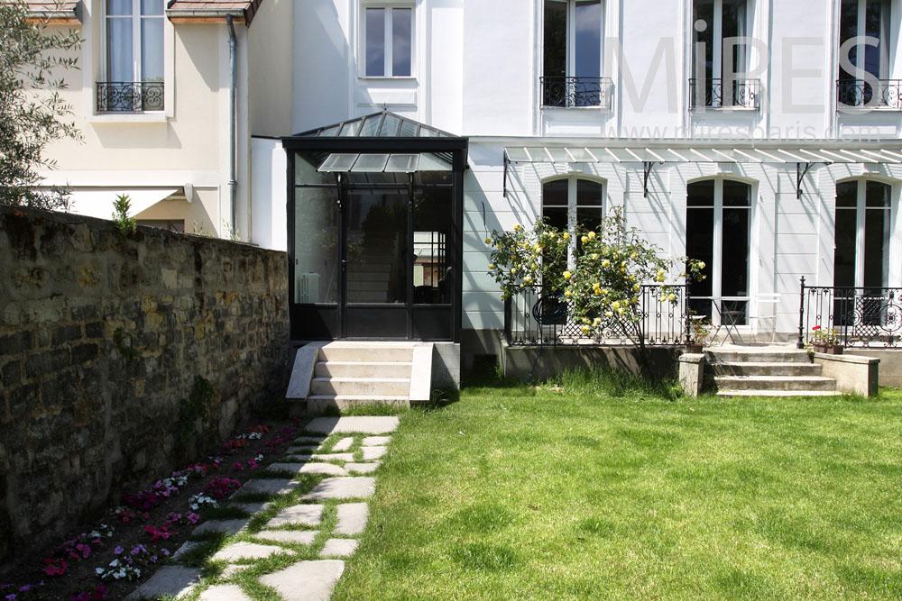 Entr e sur le jardin p rron et petit balcon c0883 mires paris - Petit jardin tijuana paris ...