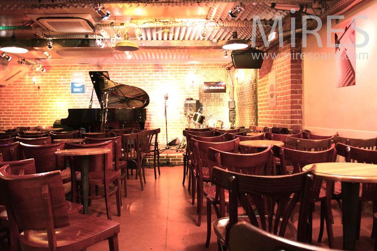 Mini salle de concert. C0885
