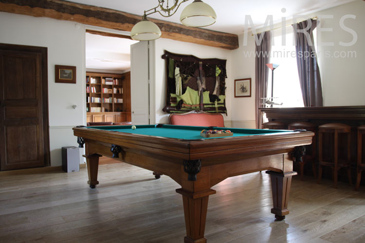 English Billiards and Bar. C0887