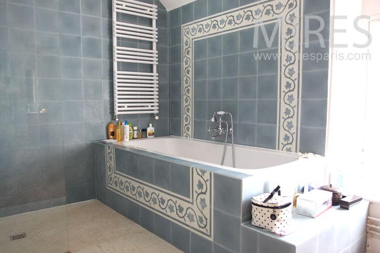 Salle de bain avec cheminée. C0887