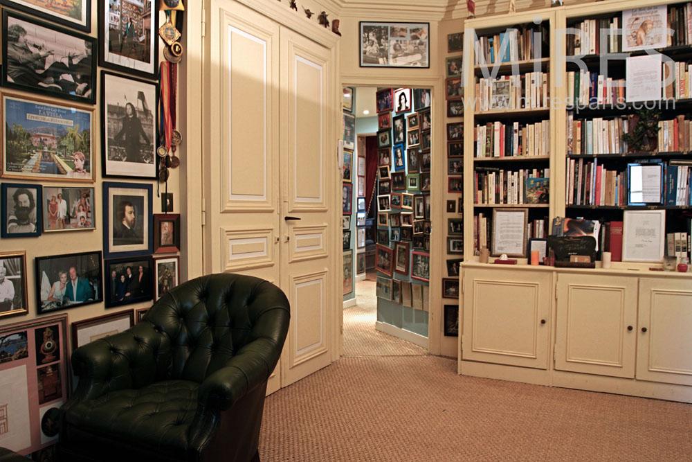 Anti-chambre bibliothèque. C0889