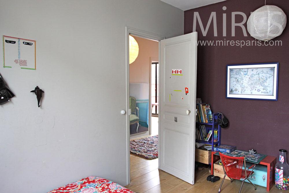 Petite chambre grise et violette c0891 mires paris - Chambre violette et grise ...