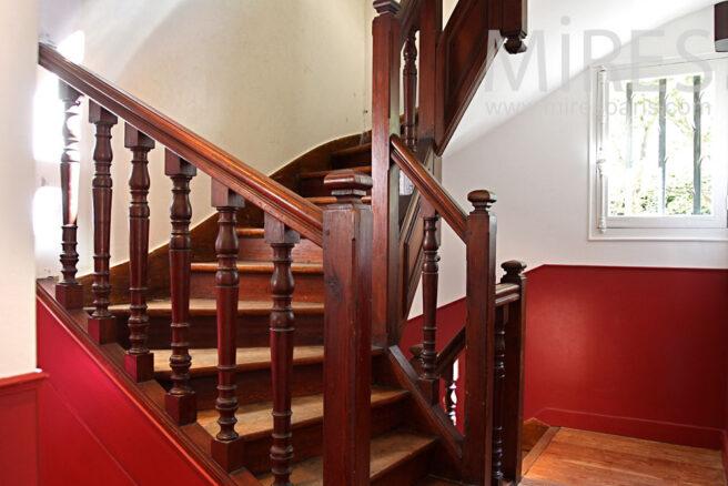 Escalier et couloir bicolore c0902 mires paris for Club piscine entrepot