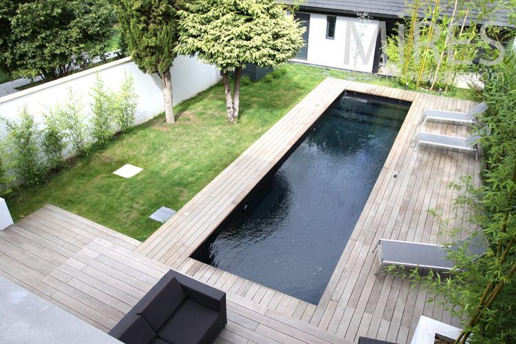 Emejing piscine noire images for Piscine coque noire