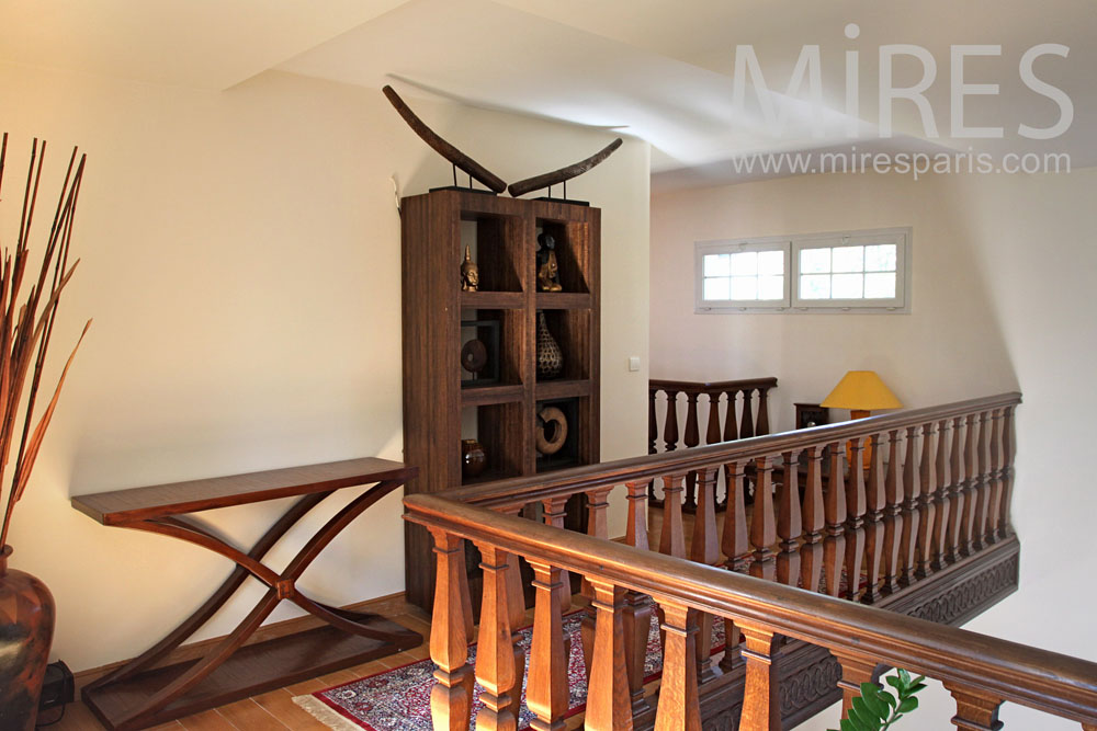 Bearing, wooden rail. C0916