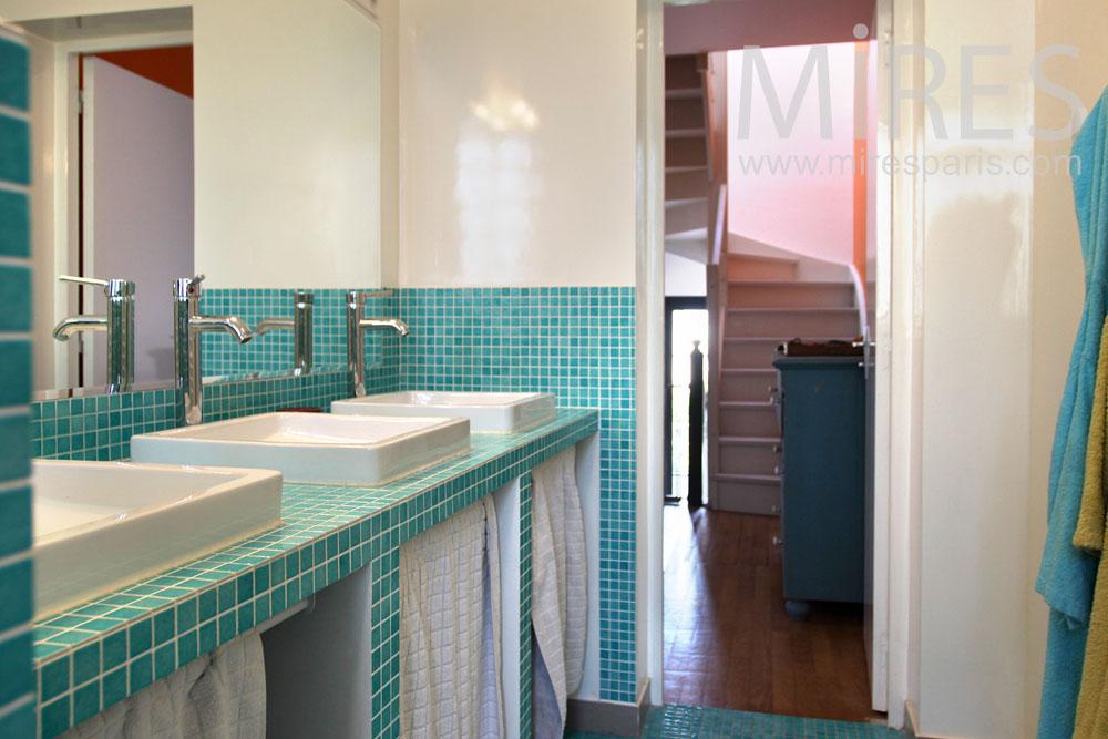 Salle de bains mires paris for Mosaique pour salle de bain