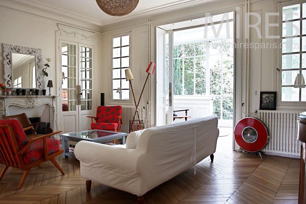 Chaleureuse ambiance scandinave c0920 mires paris for Salon ambiance chaleureuse