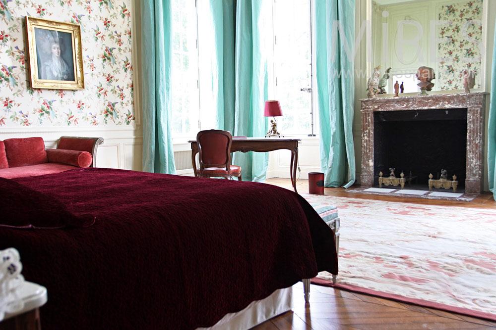 Privilege bedroom. C0937