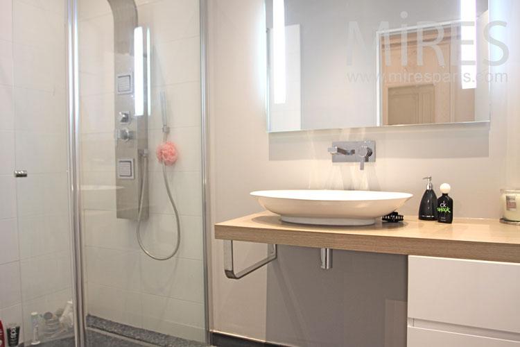 Bathroom design. c0942