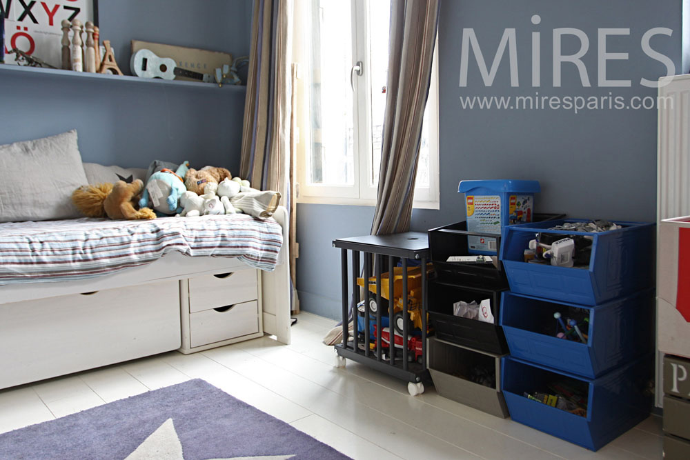 chambre d enfant bleue c0959 mires paris. Black Bedroom Furniture Sets. Home Design Ideas