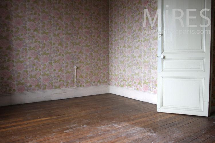 Dans la chambre vide aux roses fan es c0963 mires paris for Chambre vide