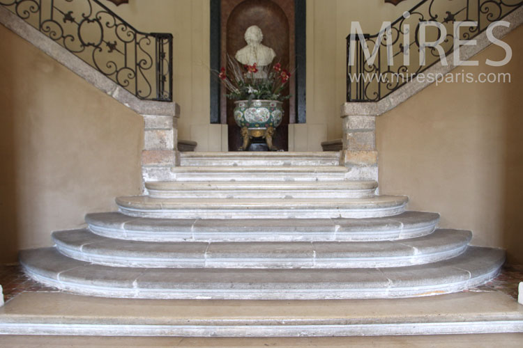 Double staircase. C0965