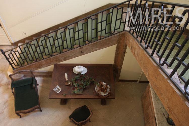 Coin bureau sous l\'escalier. C0968 | Mires Paris
