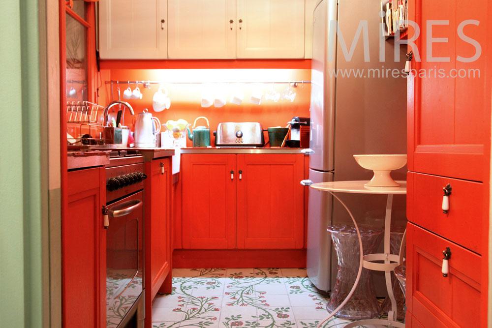 Petite cuisine orange. C0990