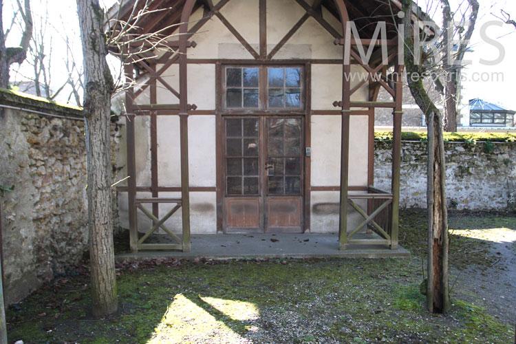 Cabane de jardin. C0993