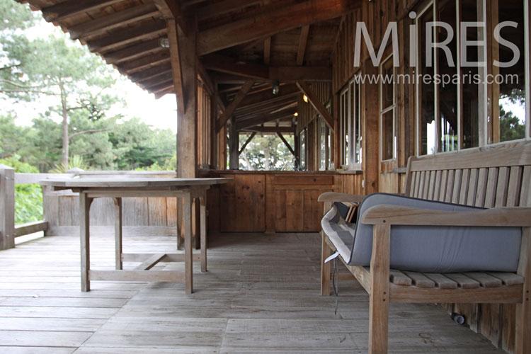 belle maison de bois en bord de plage c1029 mires paris. Black Bedroom Furniture Sets. Home Design Ideas
