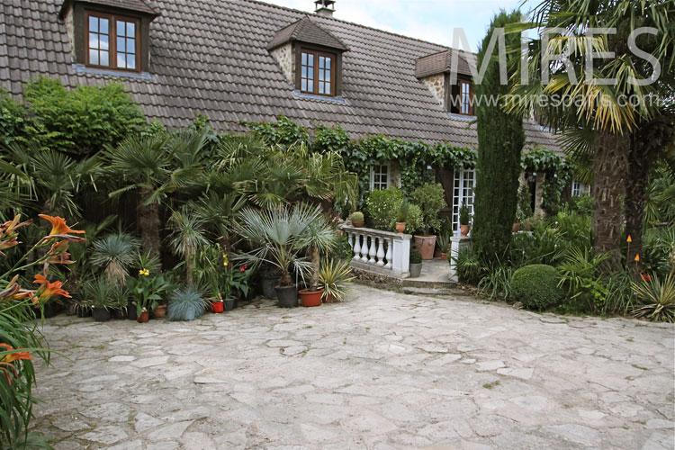 Belle Maison Et Jardin Tropical C1042 Mires Paris