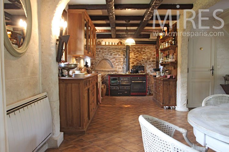 Beautiful country kitchen c1042 mires paris Cuisine campagnarde