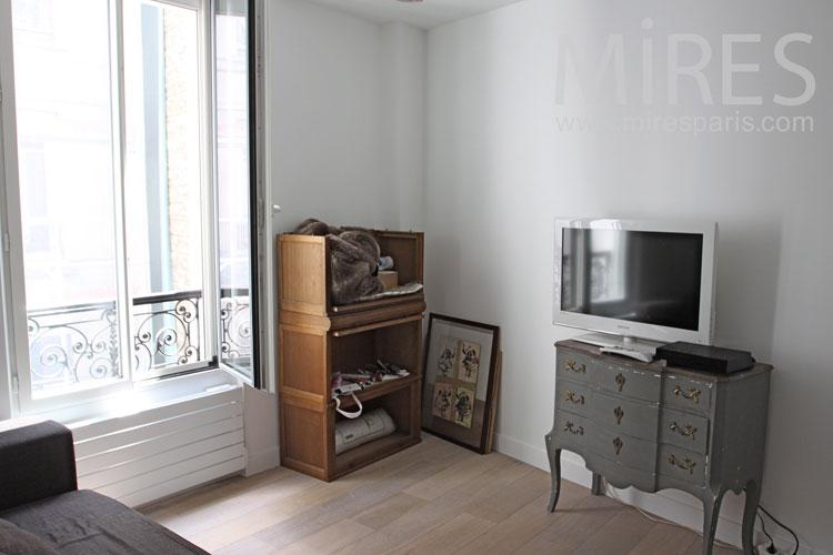 Petit salon télé. C1047