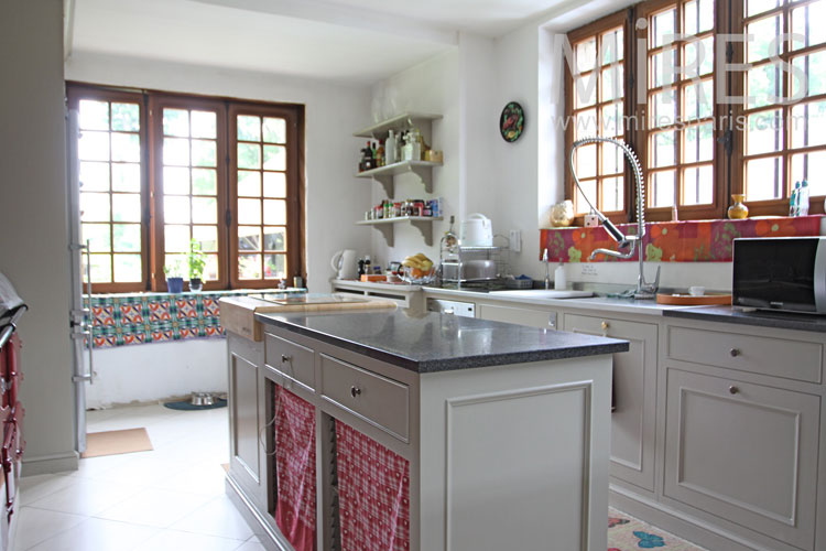 Beautiful country kitchen. C1052