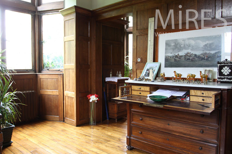 Beautiful office and woodwork. C1040