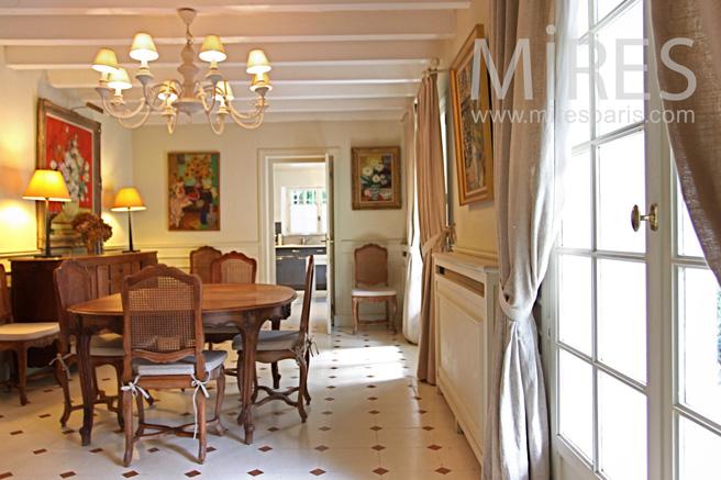 Salle manger bourgeoise ambiance bois c1062 mires paris for Salle a manger paris