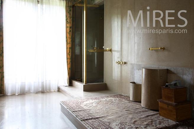 Salle de bains, sans bain. C1070