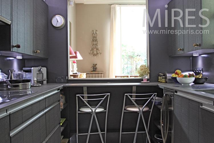 Olive green kitchen. C0099