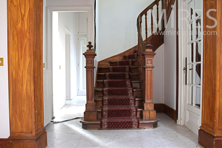 Luxury staircase. C1100