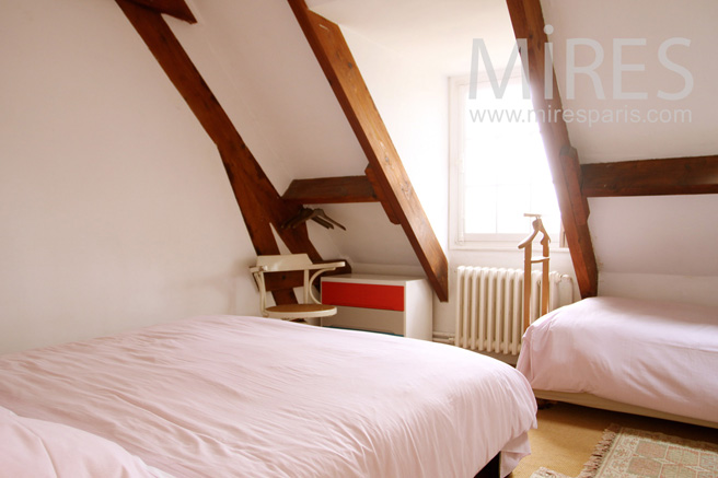 Two following and attics bedrooms. C1112